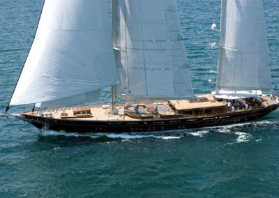 154[ 2010 Su Marine | US $8,933,250