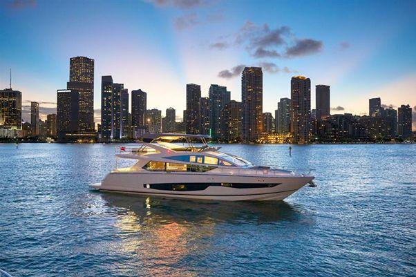 80' Pearl Motor Yachts 2018 - Exterior 2