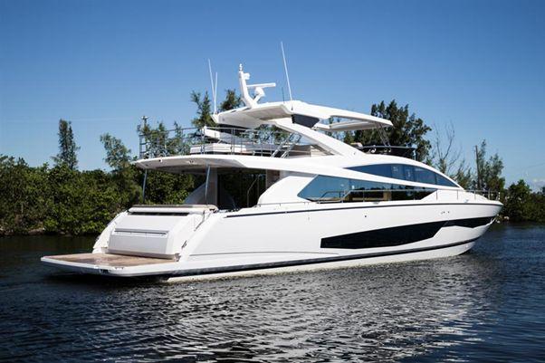 80' Pearl Motor Yachts 2018 - Exterior 1