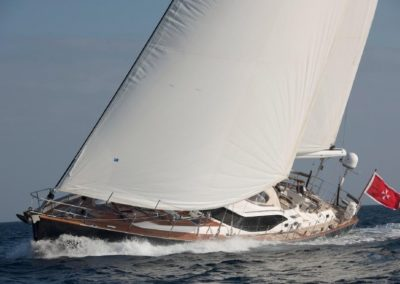 81' 2011 Oyster 82 | US $3,230,250