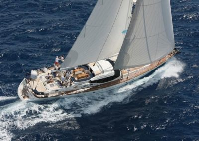 81' 2005 Oyster 82 | US $1,750,000