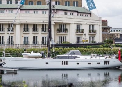 82' 2017 Oyster 825 | US $6,331,290