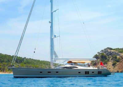 88' 2017 Oyster 885 | US $6,848,825