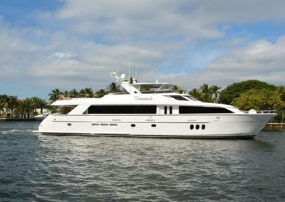 100' 2005 Hatteras 100 m Motor Yacht | US $4,100,000