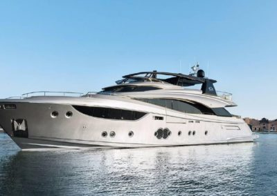 104' 2016 Montecarlo Yachts 105 Fly | US $10,109,050