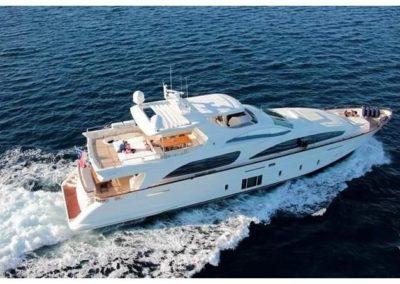 105' 2012 Azimut Grande 105 | US $6,450,000