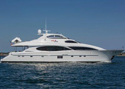 106' 2004 Lazzara | US $4,790,000