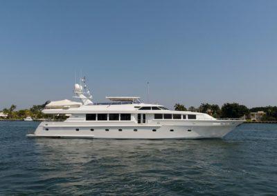 118' 2001 Intermarine Motor Yacht | US $3,895,000