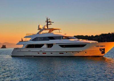 126' 2016 Sanlorenzo SD126 | US $15,500,000