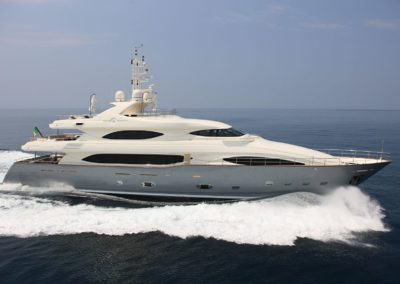129' 2009 Crn | US $7,500,000