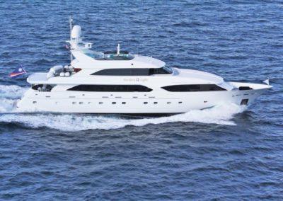 132' 2000 Westhip TriDeck 132 | US $5,900,000