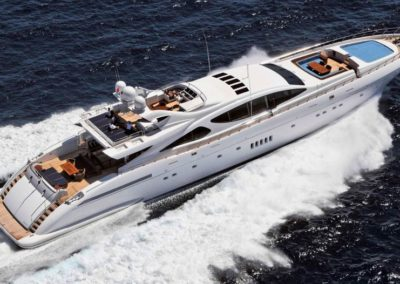 163' 2007 Overmarine Mangusta 165 | US $16,558,650
