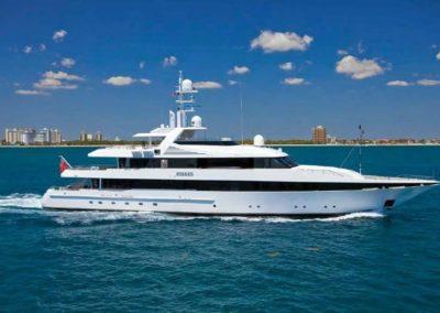 175' 2000 Feadship 2000 | US $24,900,000