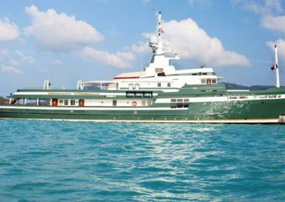 180' 2009 Pendennis Shipyard | US $34,373,700