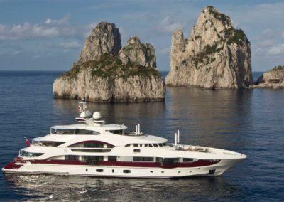 180' 2011 Heesen 55m | US $39,114,900
