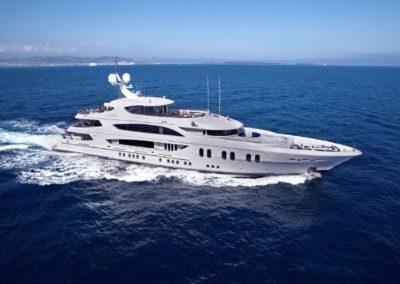 186' 2012 Trinity Motoryacht | US $36,000,000