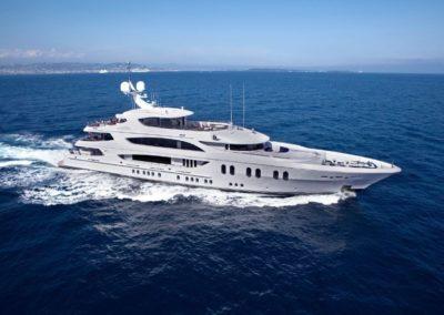 187' 2012 Trinity Motoryacht | US $36,000,000