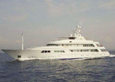 204' 2000 Feadship | US $54,000,000