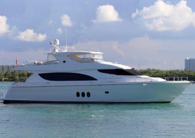 80' 2013 Hatteras 80 Motor Yacht | US $4,992,100
