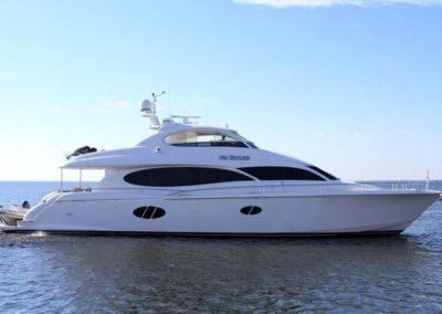 84' 2006 Lazzara 84 Motor Yacht | US $2,399,000
