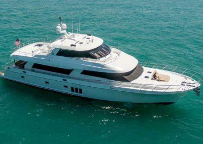 88' 2011 Ocean Alexander 88 SKYLOUNGER | US $3,949,000